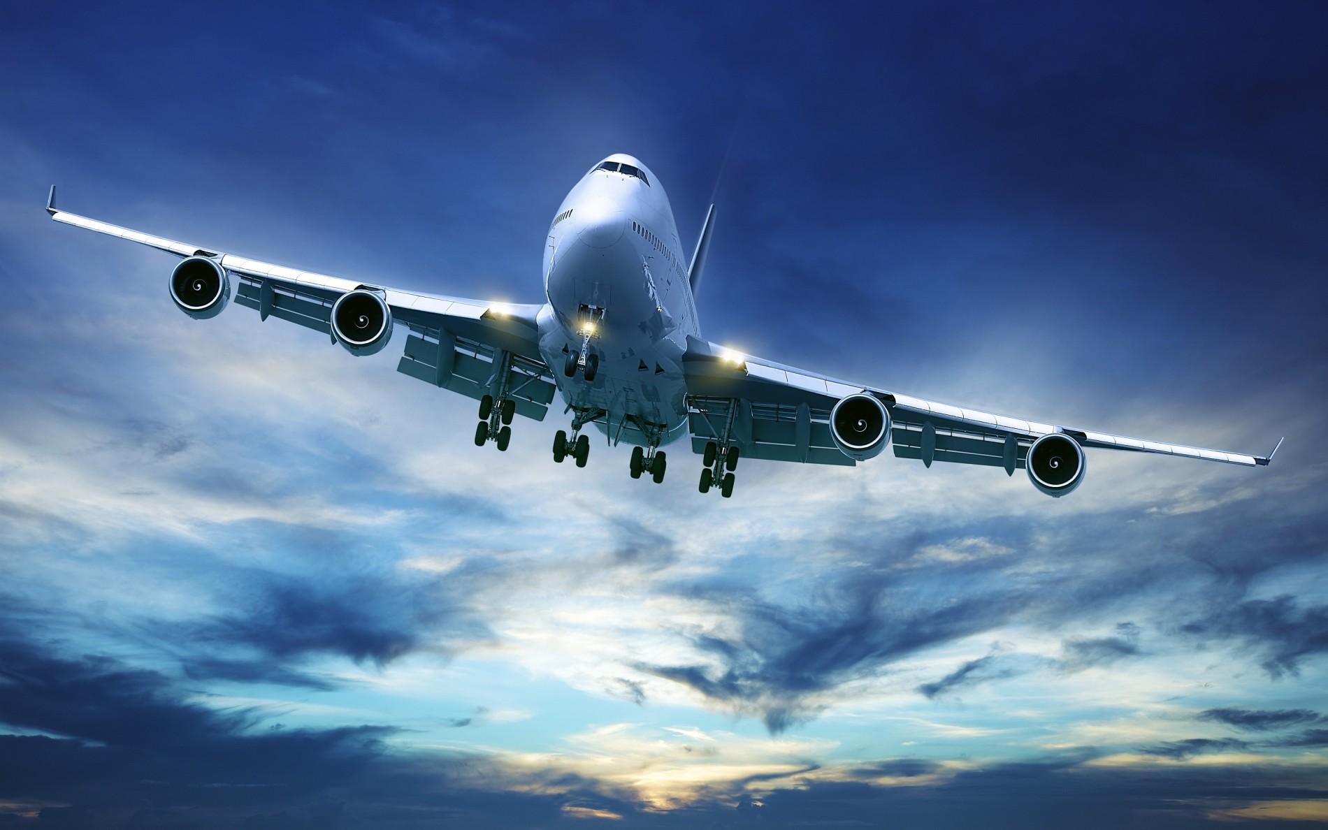 747-airliner-e1450829831116